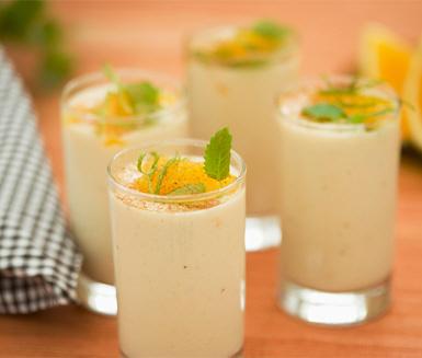 Apelsinsmoothie med kanel och banan