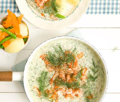 Recept: Torsk- och kräftpanna med pepparrot och dill