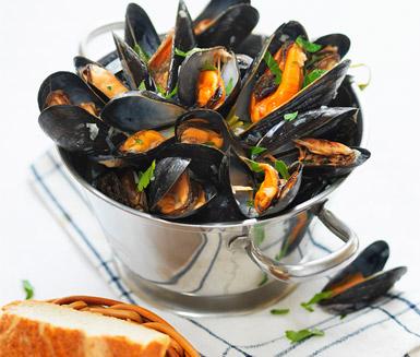 Recept: Moule marinière (Musslor i vitt vin)