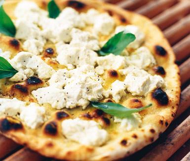 Pizza bianco ica ricotta pinjenötter