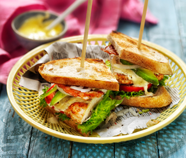 Club sandwich med avocado och currydressing  Recept ICA.se