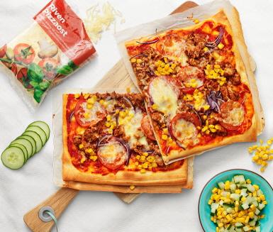 tacopizza med kycklingf rs och majs recept. Black Bedroom Furniture Sets. Home Design Ideas
