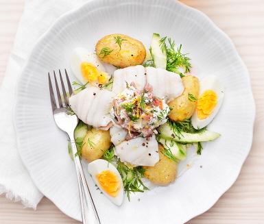 Recept: Ugnsbakad spätta med ägg och ansjovis