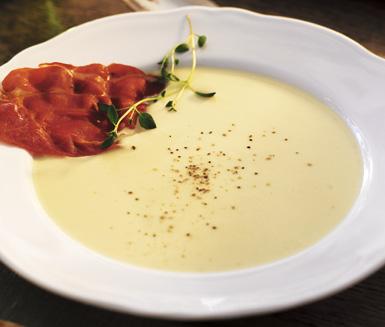 Recept: Jordärtskockssoppa med parmachips