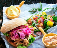Pulled pork med chili bearnaise och lime aioli
