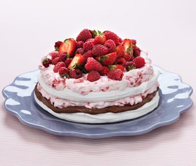 Bildresultat för sommartårta jordgubbar