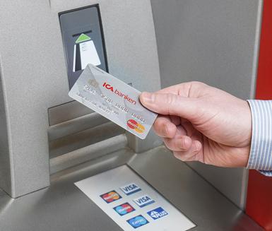 Med ett vanligt Visa eller Mastercard-kort från någon av storbankerna får du betala valutaväxlingspåslag på mellan 1,,65 procent vid bankomatuttag utomlands.. Fredagens eurokurs på 8,7 kr innebär exempelvis en växlingskurs på 8,84 kr .
